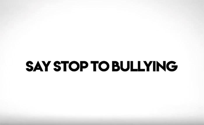 ena-video-ad-gia-ton-ekfovismo-say-stop-to-bullying-medet